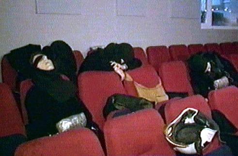 Terroristi morti a causa del Gas utilizzato dalle forze speciali Russe all'interno del Teatro Dubrovka